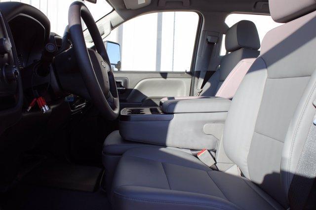 2020 Chevrolet Silverado 5500 Crew Cab DRW 4x4, Scelzi SEC Combo Body #D101273 - photo 6