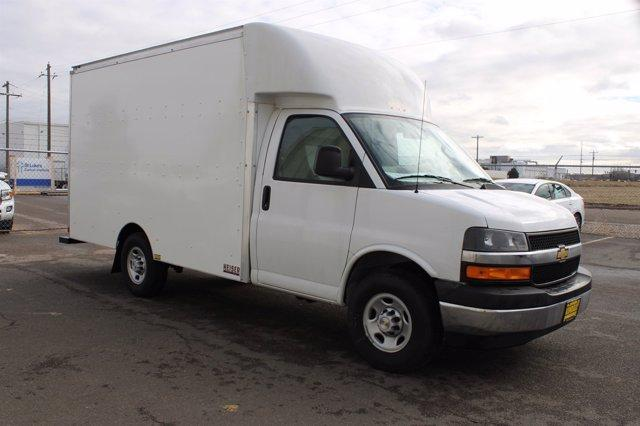2020 Chevrolet Express 3500 4x2, Cutaway Van #D101275 - photo 3