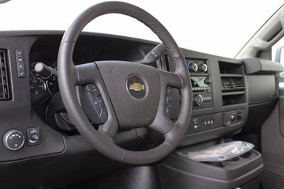 2020 Chevrolet Express 3500 4x2, Cutaway Van #D101275 - photo 4