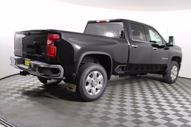 2021 Chevrolet Silverado 2500 Crew Cab 4x4, Pickup #D110121 - photo 5