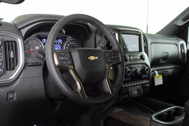 2021 Chevrolet Silverado 3500 Crew Cab 4x4, Pickup #D110185 - photo 10