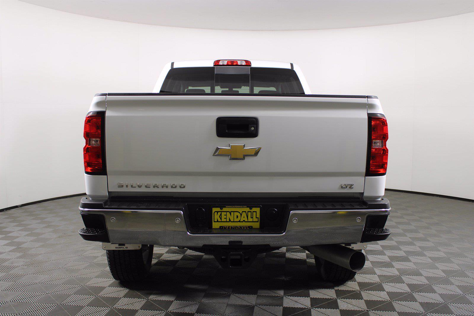 2019 Chevrolet Silverado 2500 Crew Cab 4x4, Pickup #D110201A - photo 4