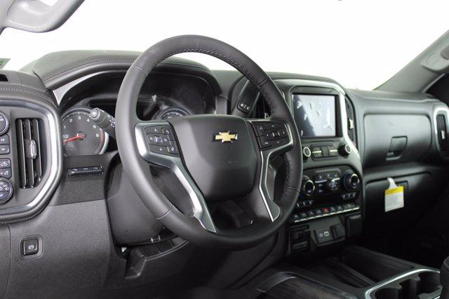 2021 Chevrolet Silverado 1500 Crew Cab 4x4, Pickup #D110205 - photo 10