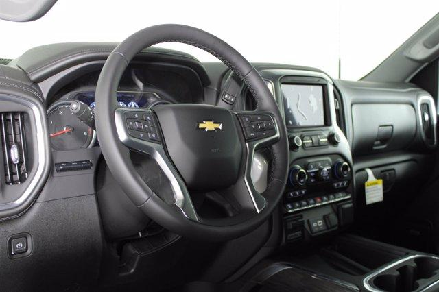 2021 Chevrolet Silverado 2500 Crew Cab 4x4, Pickup #D110219 - photo 10