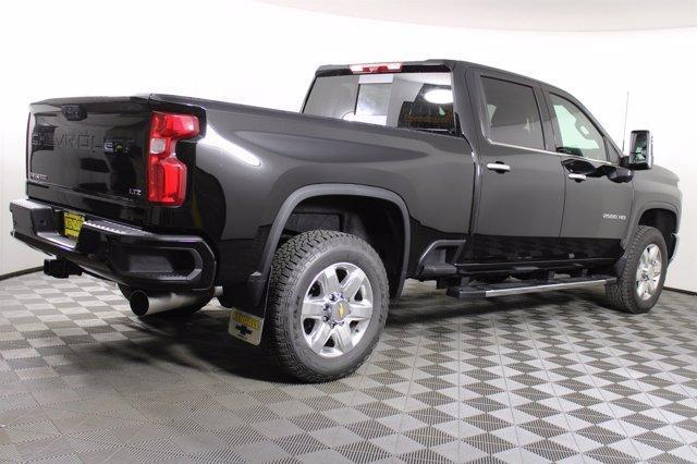 2021 Chevrolet Silverado 2500 Crew Cab 4x4, Pickup #D110219 - photo 7