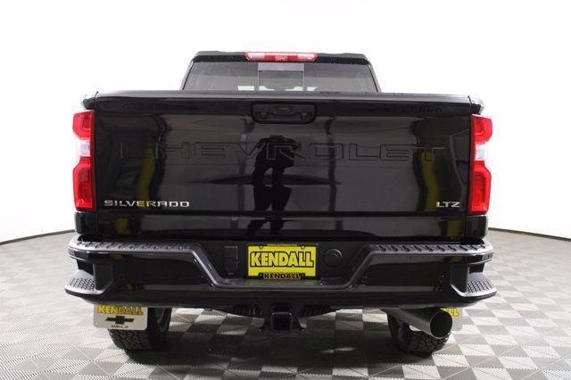 2021 Chevrolet Silverado 2500 Crew Cab 4x4, Pickup #D110219 - photo 8