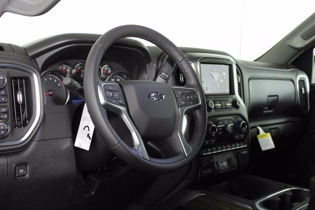 2021 Chevrolet Silverado 1500 Crew Cab 4x4, Pickup #D110351 - photo 10