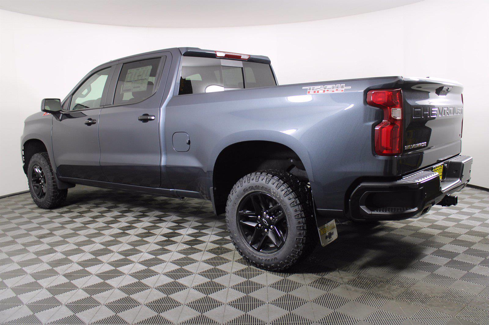 2021 Chevrolet Silverado 1500 Crew Cab 4x4, Pickup #D110467 - photo 2