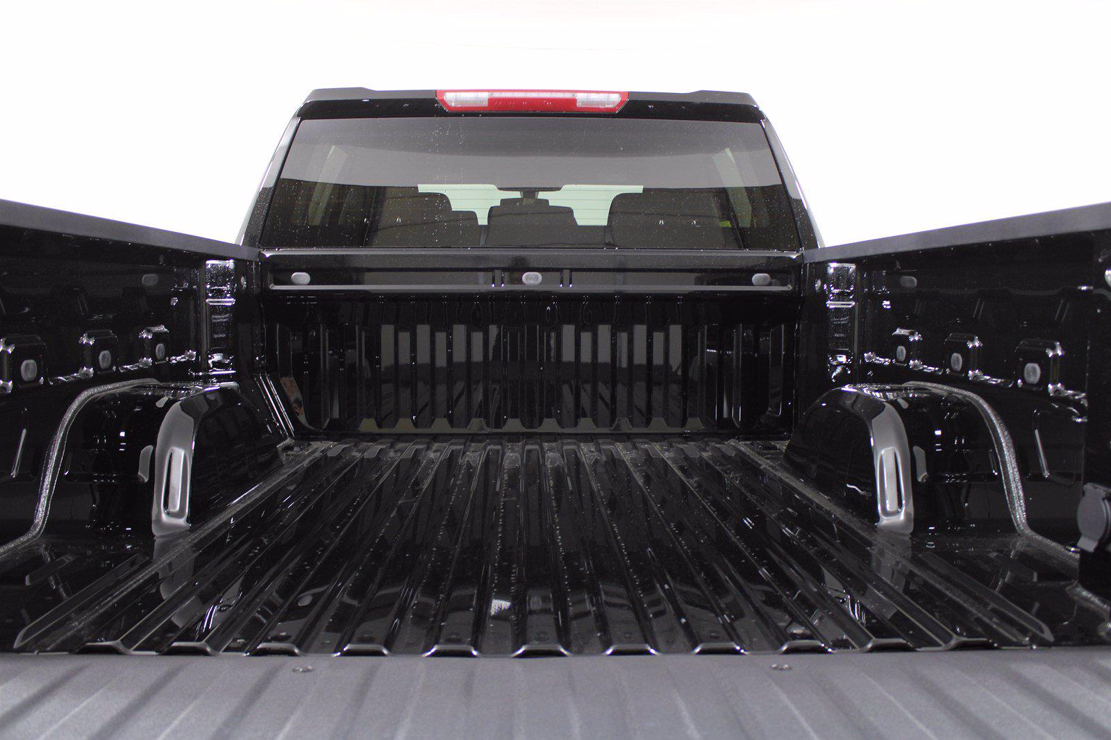 2021 Chevrolet Silverado 1500 Crew Cab 4x4, Pickup #D110595 - photo 9