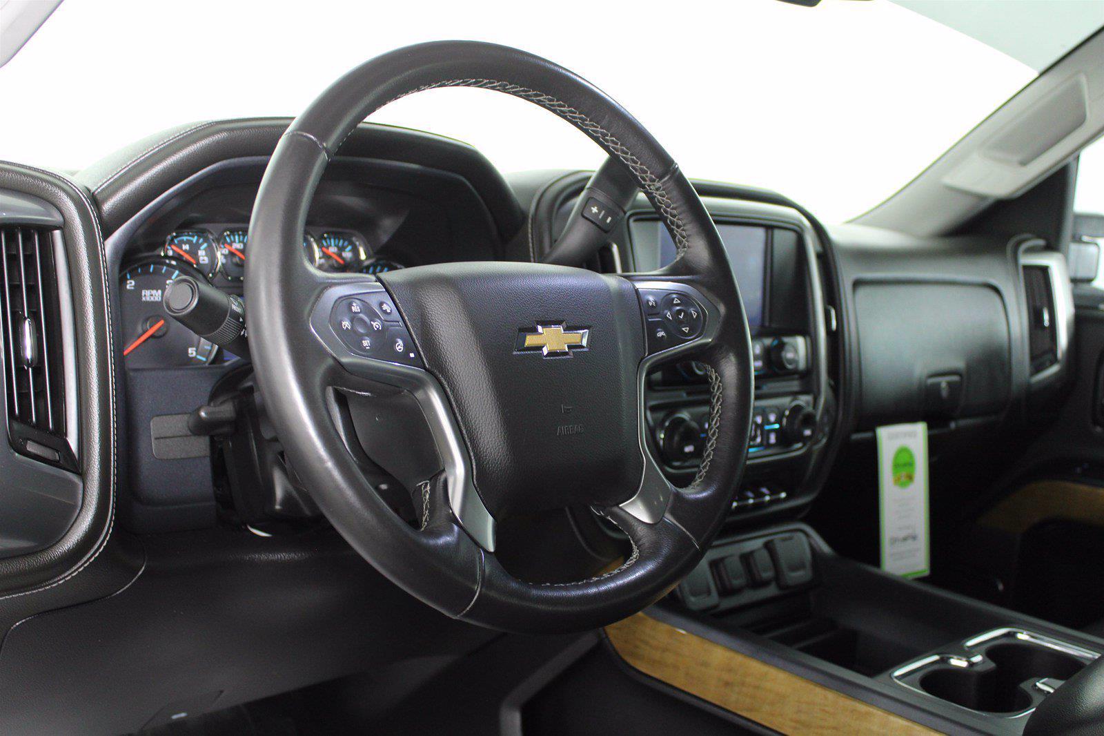 2016 Chevrolet Silverado 2500 Crew Cab 4x2, Pickup #D110630A - photo 4