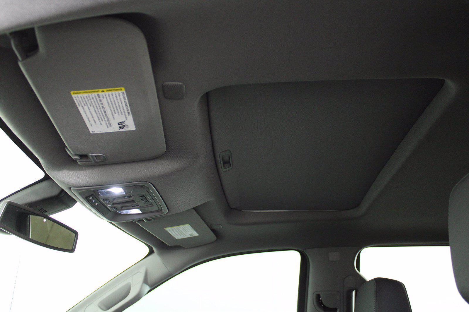 2020 Chevrolet Silverado 1500 Crew Cab 4x4, Pickup #D110641A - photo 4