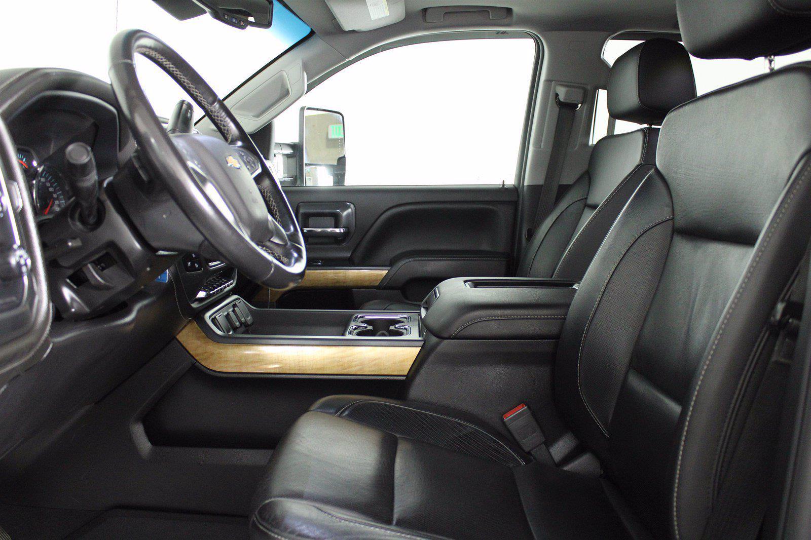 2019 Chevrolet Silverado 2500 Crew Cab 4x4, Pickup #D110643A - photo 15