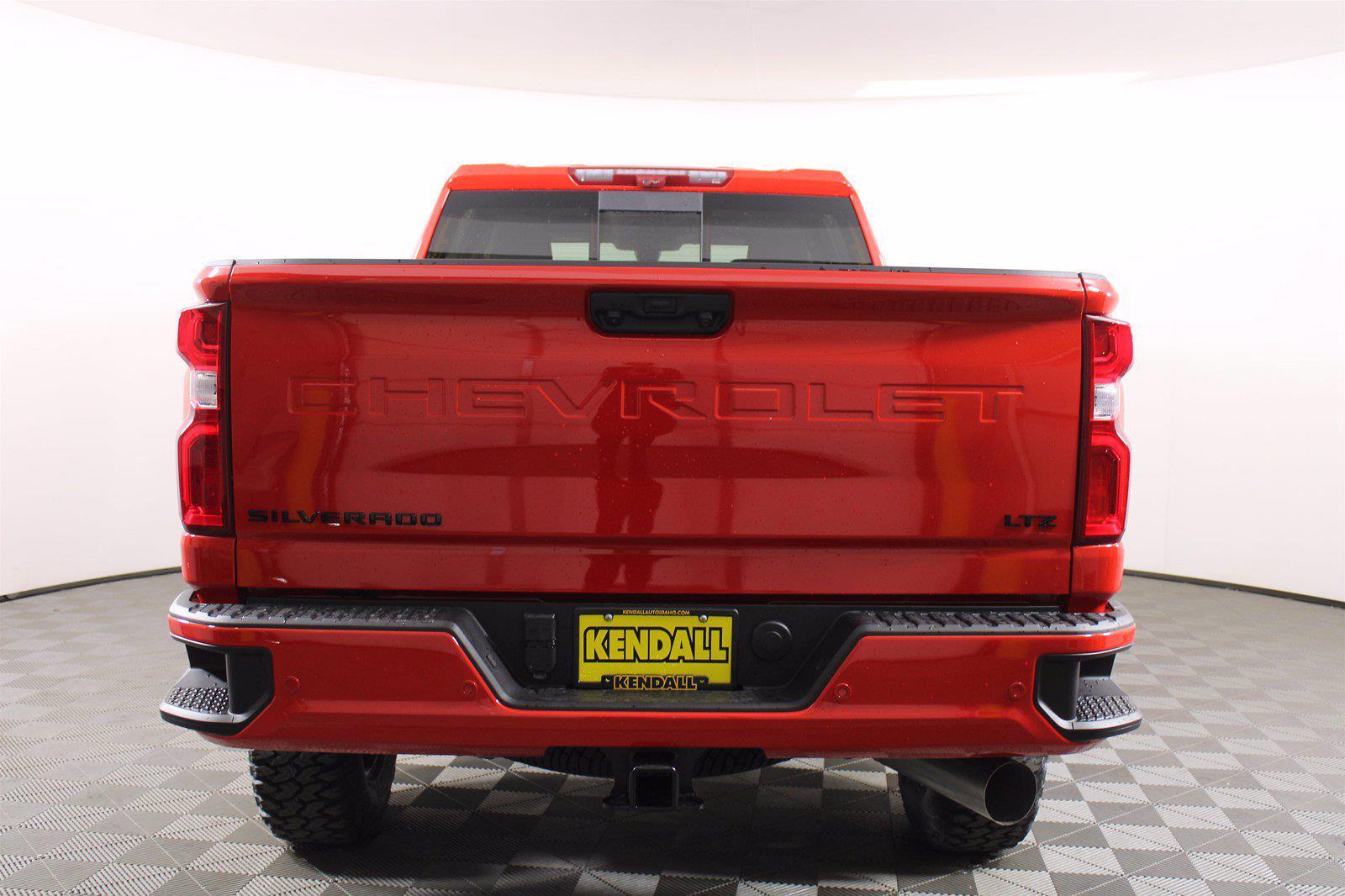 2021 Chevrolet Silverado 2500 Crew Cab 4x4, Pickup #D110744 - photo 7
