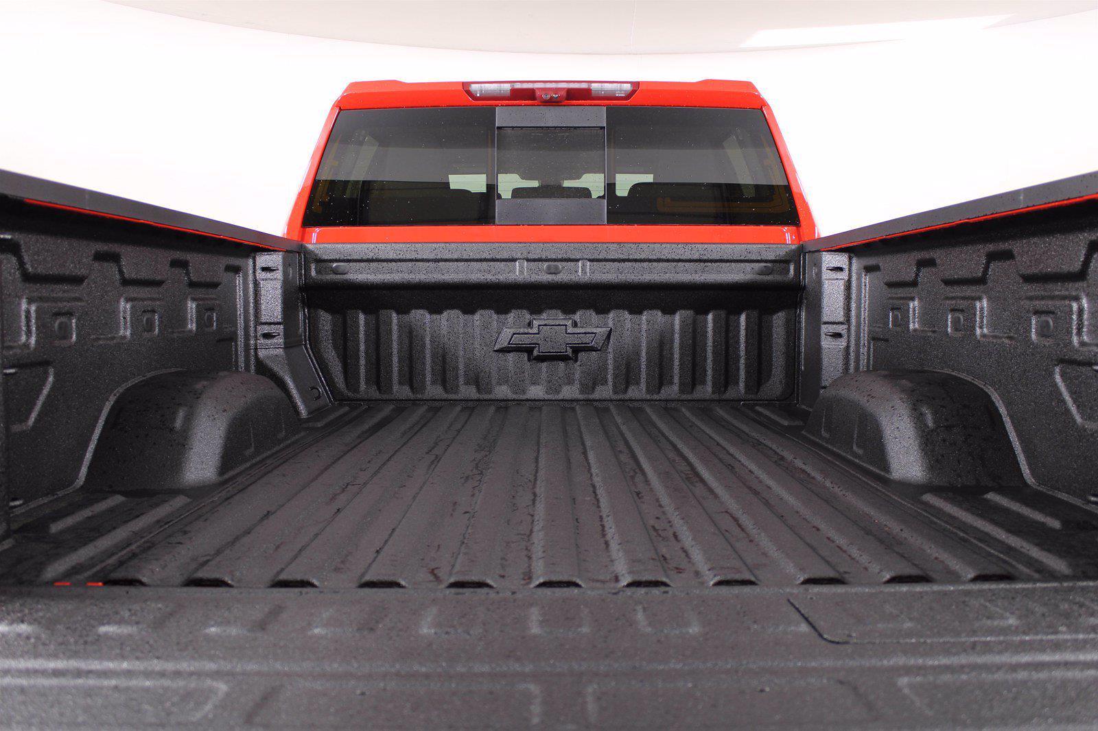 2021 Chevrolet Silverado 2500 Crew Cab 4x4, Pickup #D110744 - photo 9