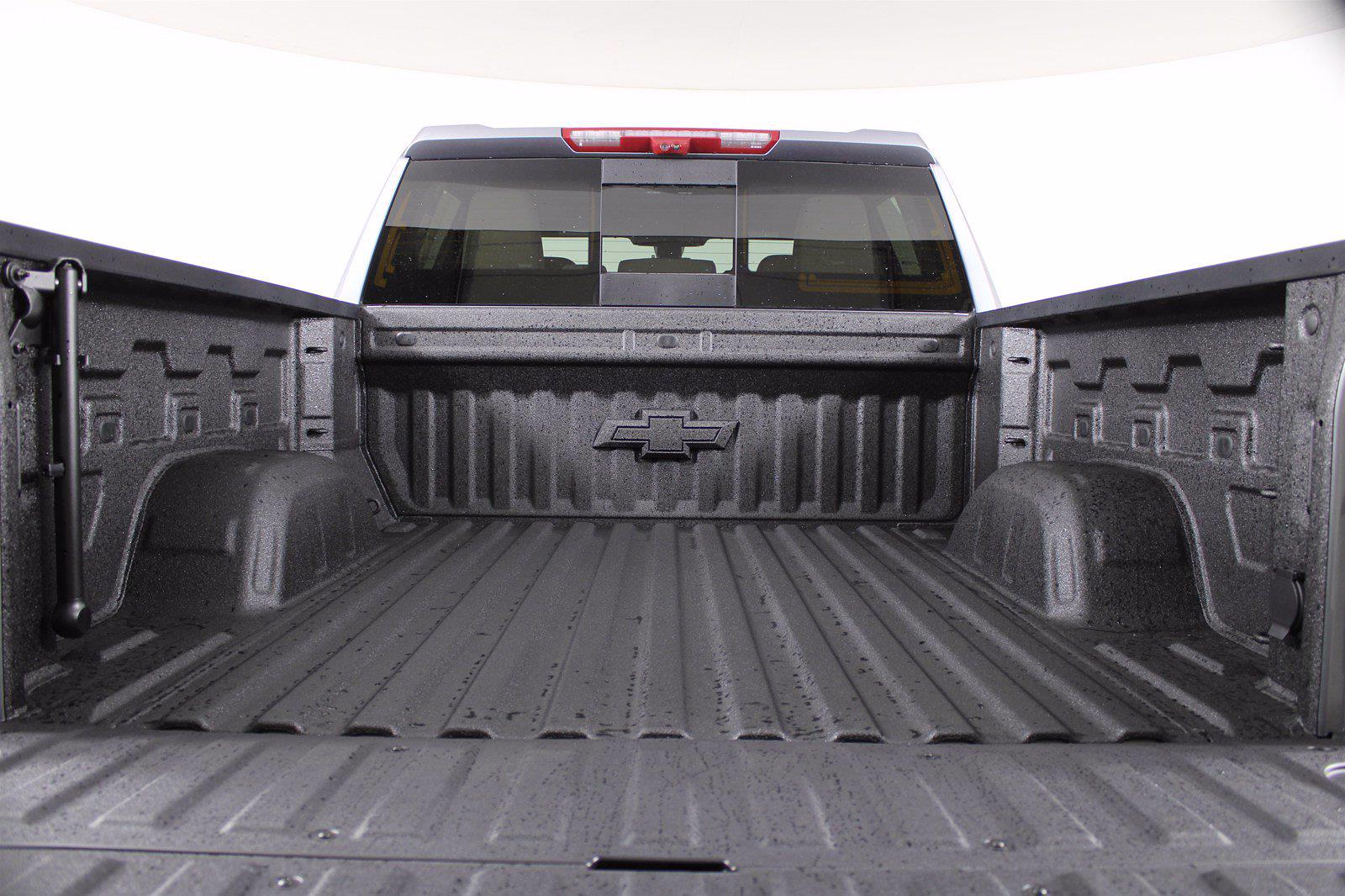 2021 Chevrolet Silverado 1500 Crew Cab 4x4, Pickup #D110776 - photo 8