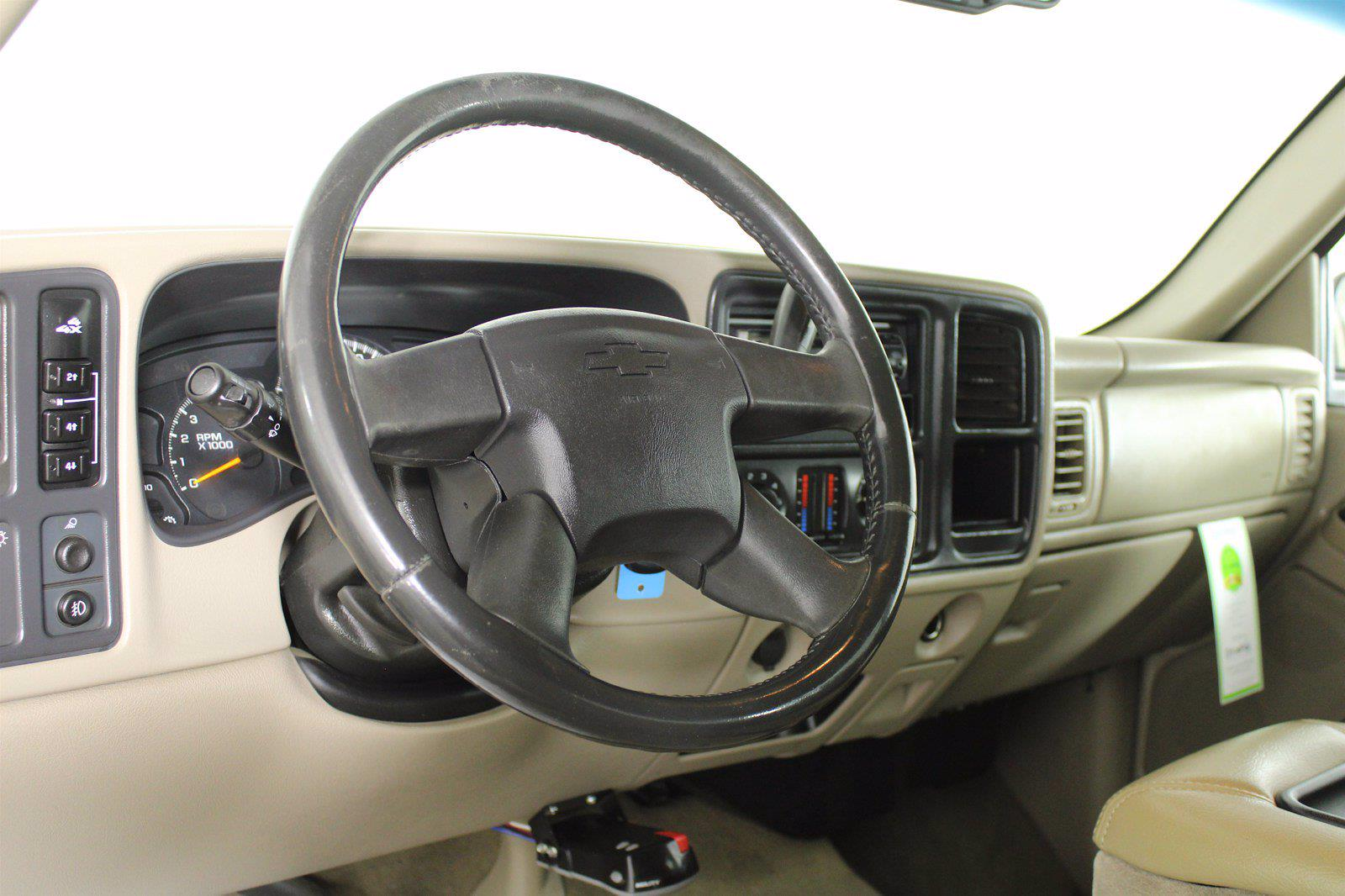 2005 Chevrolet Silverado 2500 Crew Cab 4x4, Pickup #D110794A - photo 8
