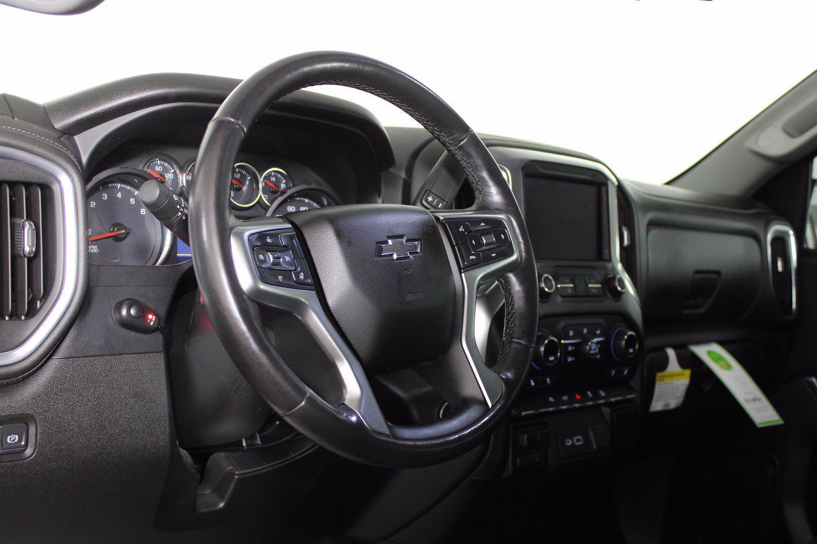 2019 Chevrolet Silverado 1500 Crew Cab 4x4, Pickup #D110798A - photo 3