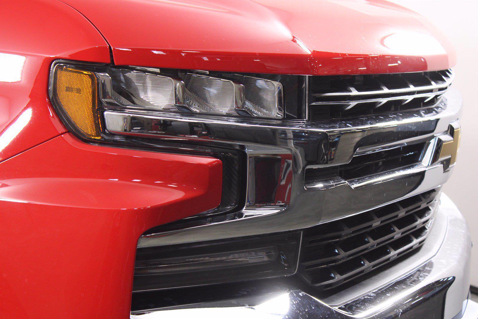 2021 Chevrolet Silverado 1500 Crew Cab 4x4, Pickup #D110819 - photo 5
