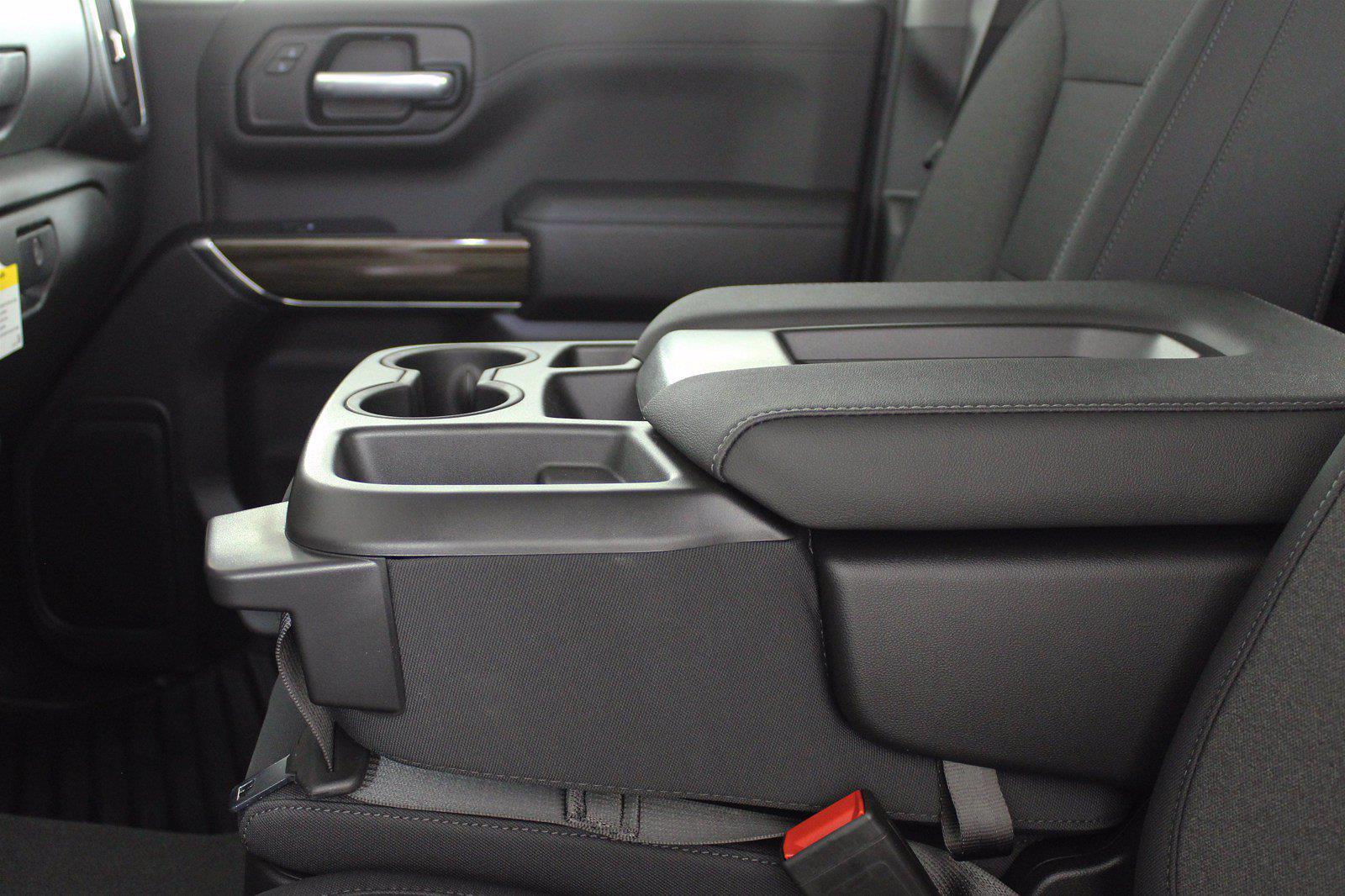 2021 Chevrolet Silverado 1500 Crew Cab 4x4, Pickup #D110819 - photo 13
