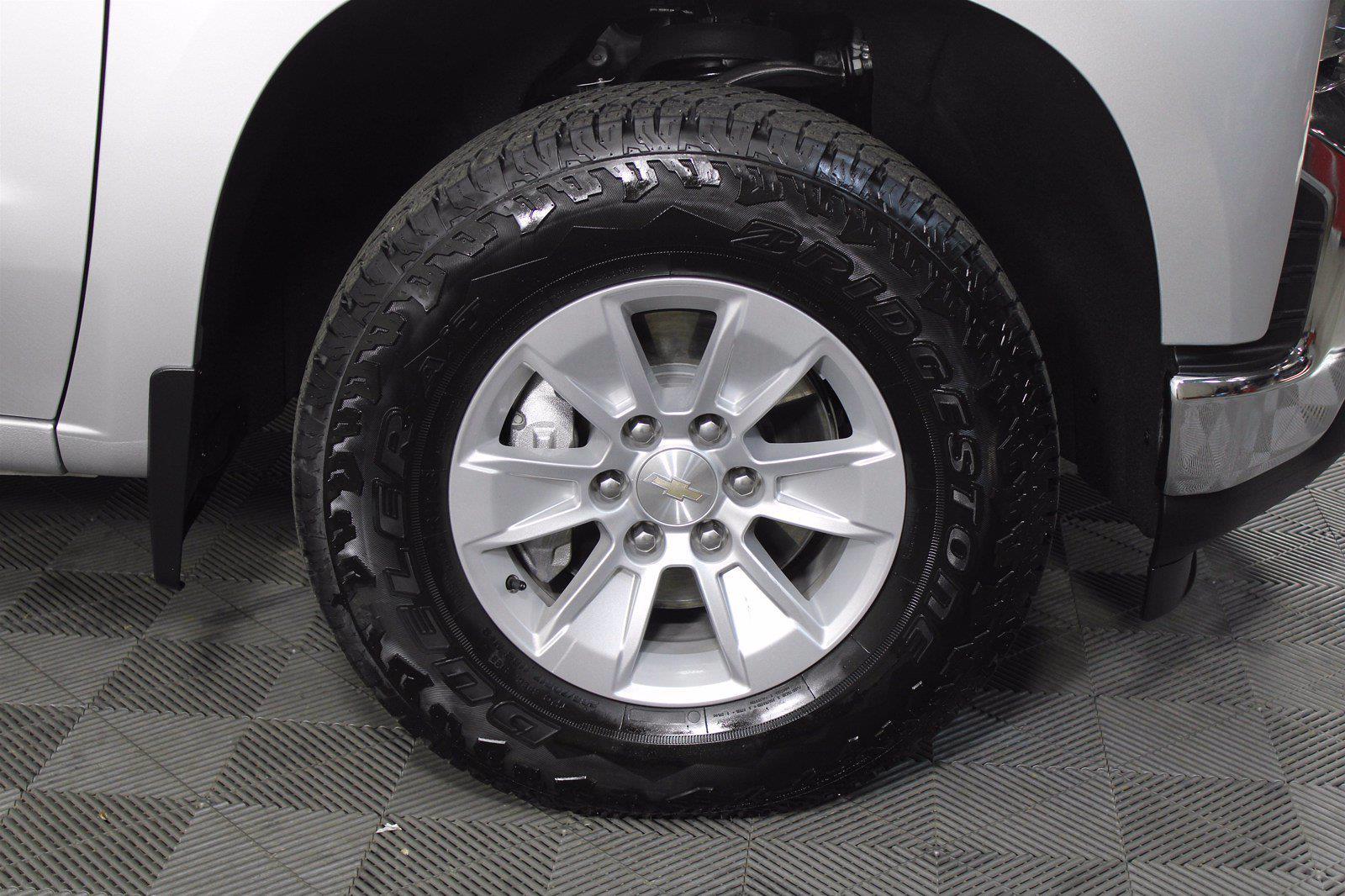 2020 Chevrolet Silverado 1500 Crew Cab 4x4, Pickup #D110855A - photo 5
