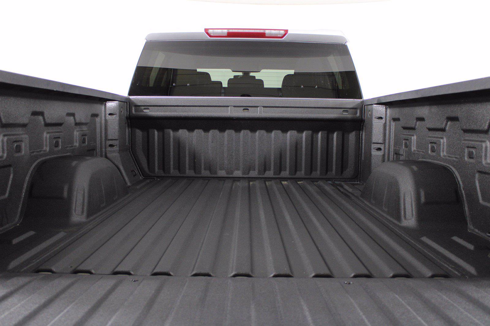 2020 Chevrolet Silverado 1500 Crew Cab 4x4, Pickup #D110855A - photo 2