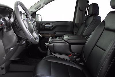 2020 Chevrolet Silverado 1500 Crew Cab 4x4, Pickup #D110855A - photo 3