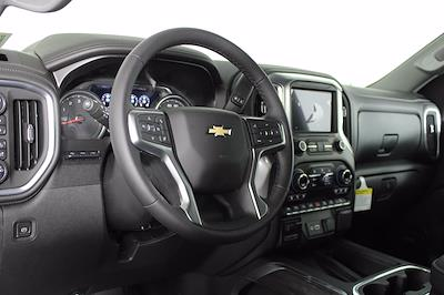 2021 Chevrolet Silverado 1500 Crew Cab 4x4, Pickup #D110857 - photo 10
