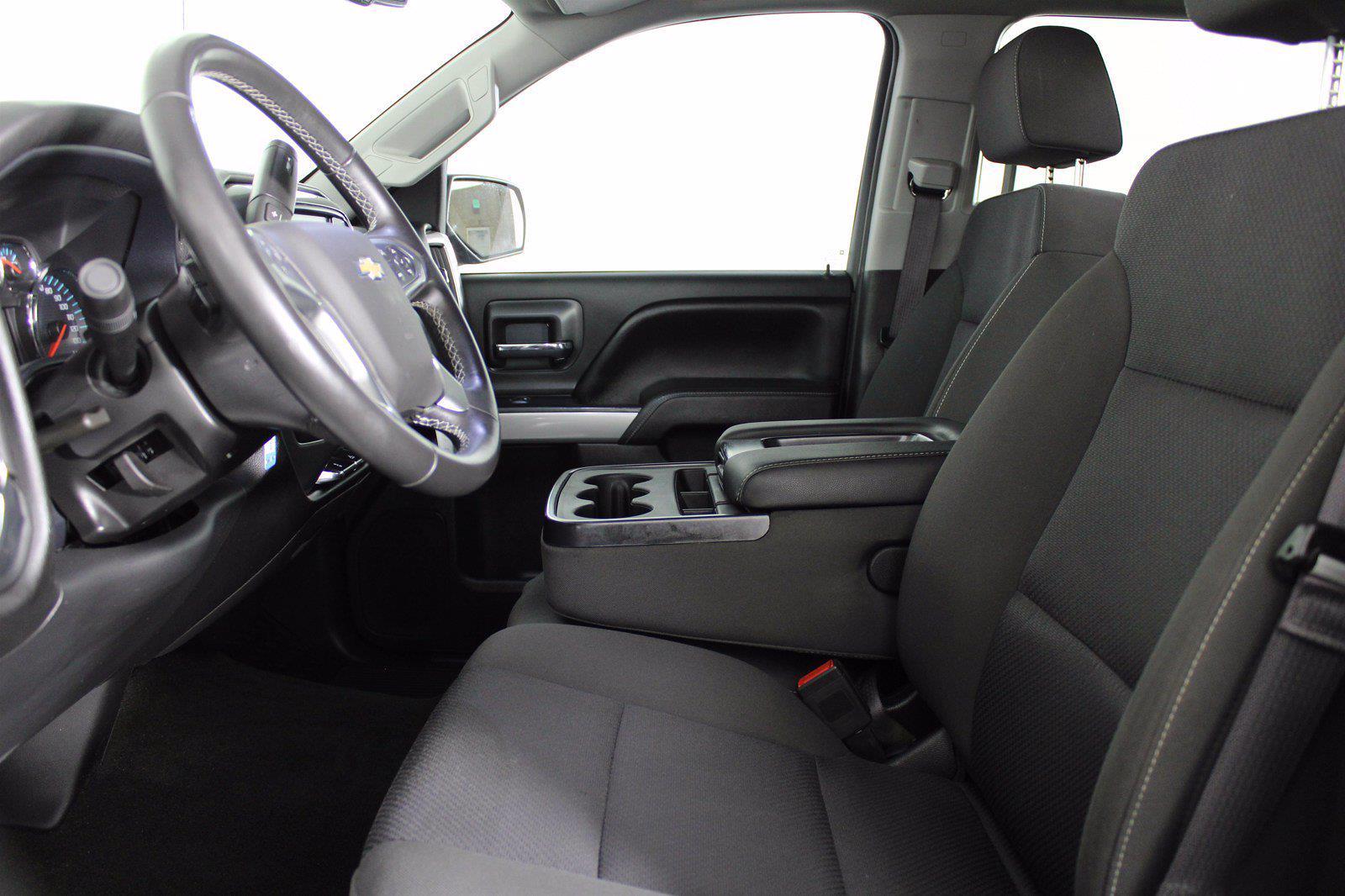 2017 Chevrolet Silverado 1500 Crew Cab 4x4, Pickup #D110857A - photo 4