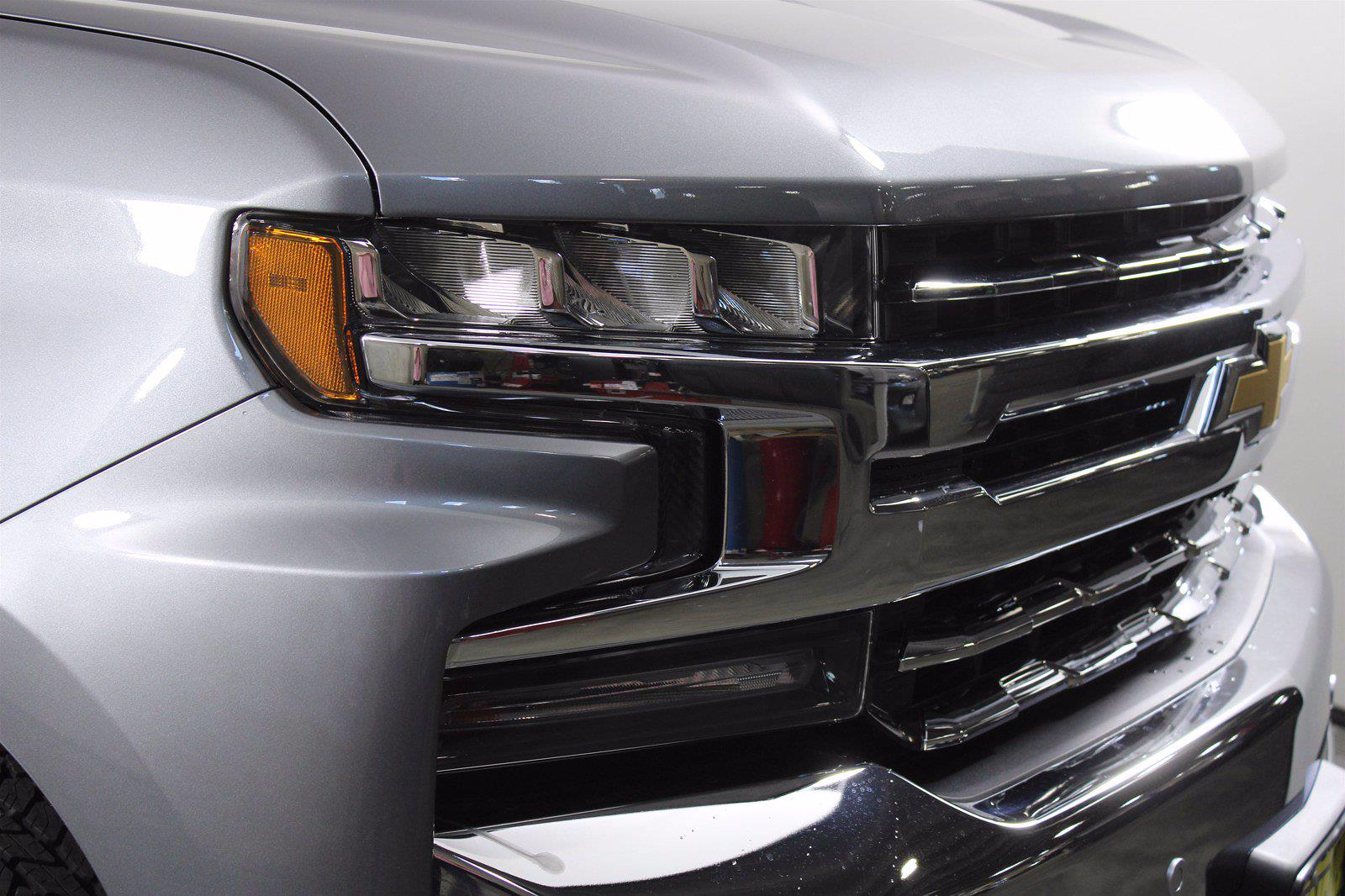 2021 Chevrolet Silverado 1500 Crew Cab 4x4, Pickup #D110863 - photo 5