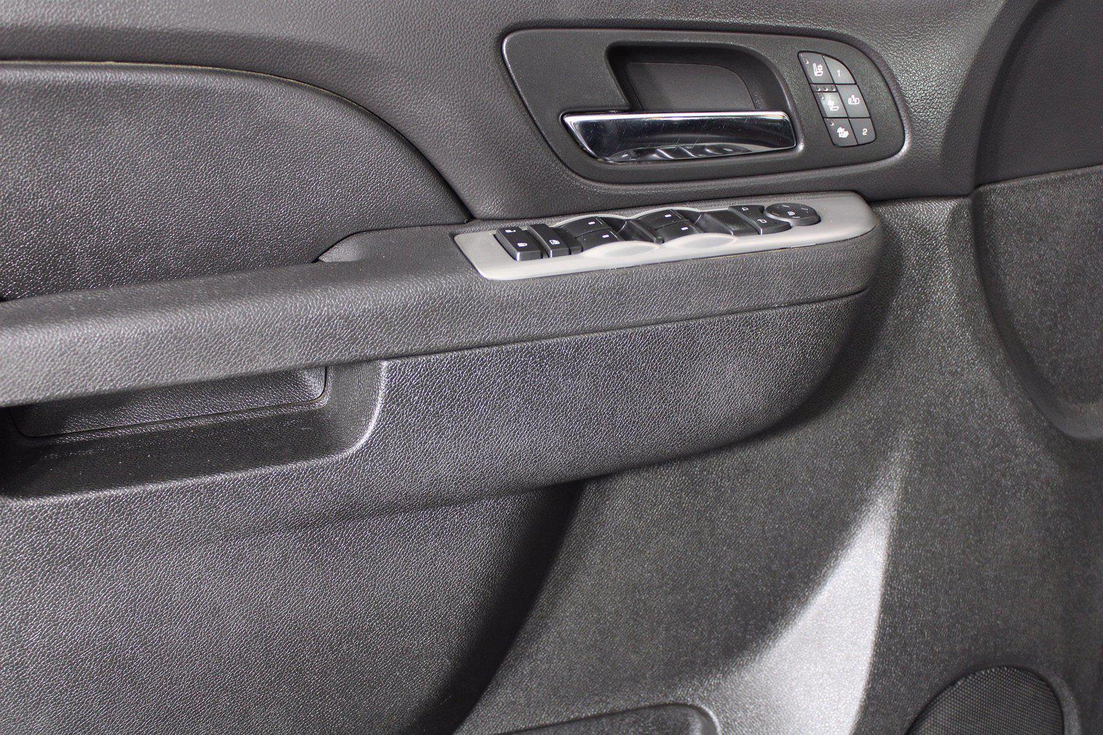 2014 Chevrolet Silverado 3500 Crew Cab 4x4, Pickup #D110865A - photo 14