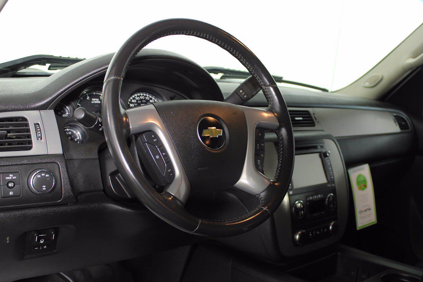 2014 Chevrolet Silverado 3500 Crew Cab 4x4, Pickup #D110865A - photo 2