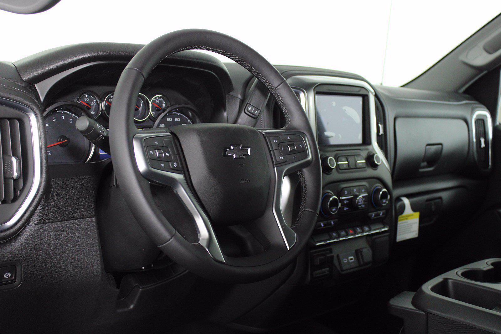 2021 Chevrolet Silverado 1500 Crew Cab 4x4, Pickup #D110898 - photo 10