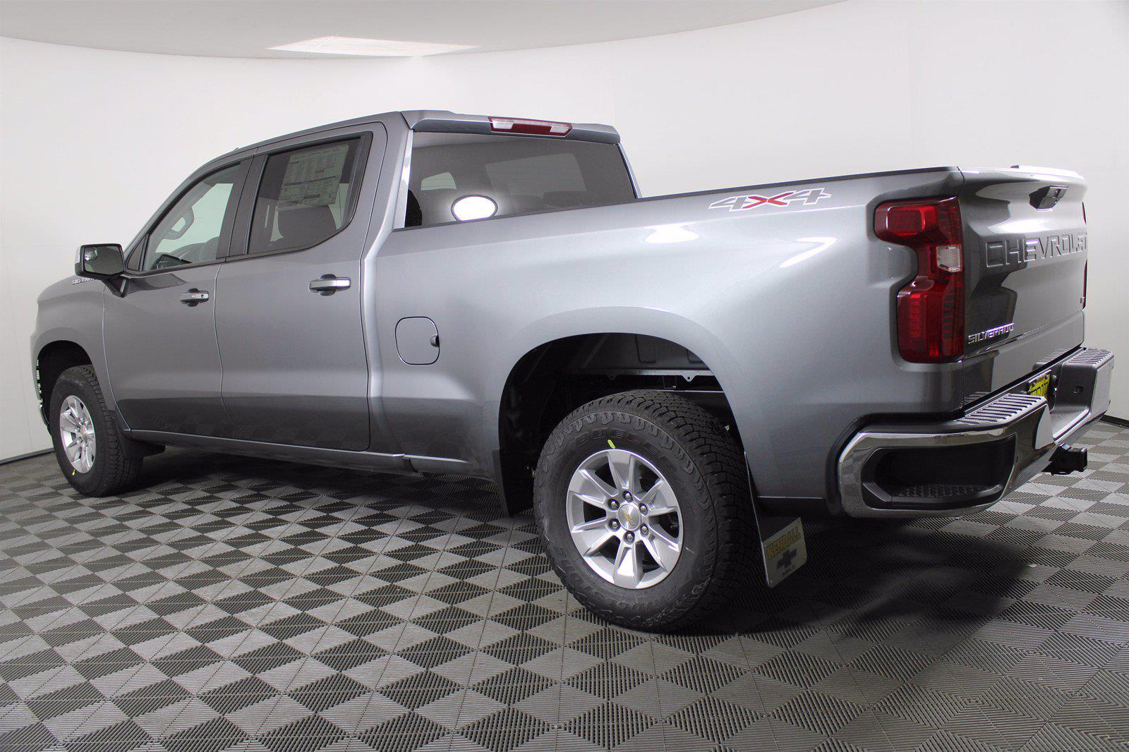 2021 Chevrolet Silverado 1500 Crew Cab 4x4, Pickup #D110908 - photo 2