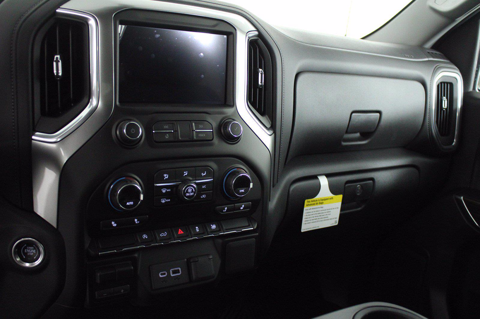 2021 Chevrolet Silverado 1500 Crew Cab 4x4, Pickup #D110908 - photo 11