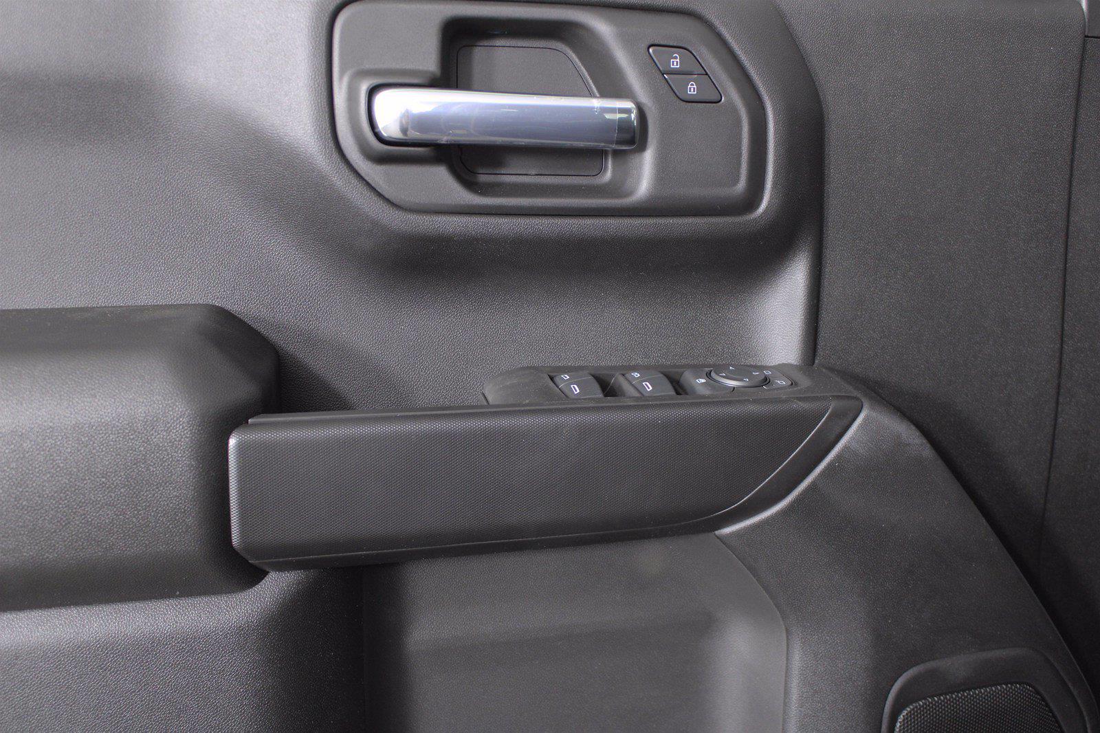 2021 Chevrolet Silverado 1500 Double Cab 4x4, Pickup #D111002 - photo 11