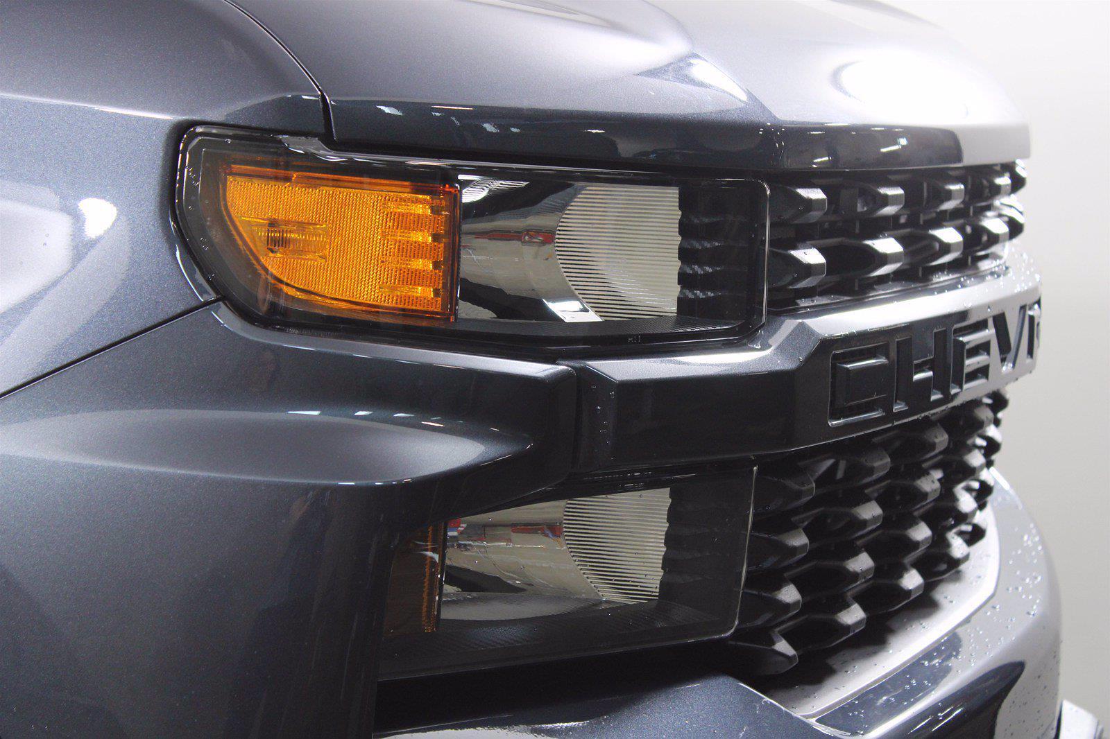 2021 Chevrolet Silverado 1500 Double Cab 4x4, Pickup #D111013 - photo 5