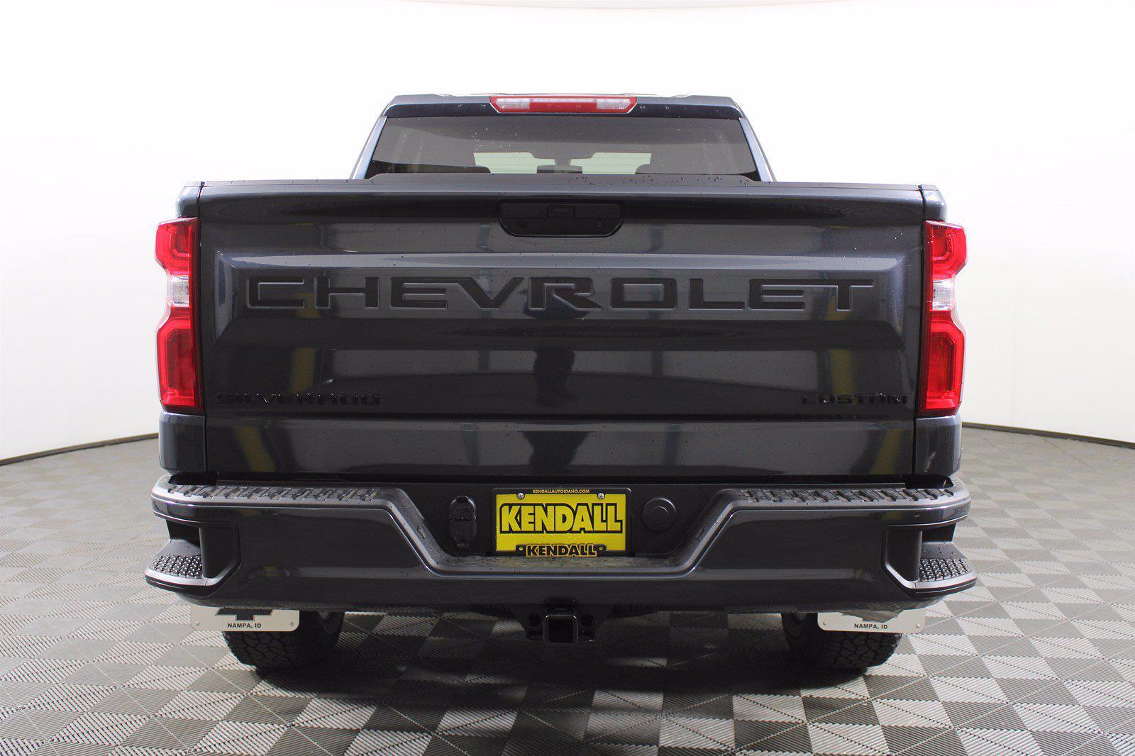 2021 Chevrolet Silverado 1500 Double Cab 4x4, Pickup #D111013 - photo 8