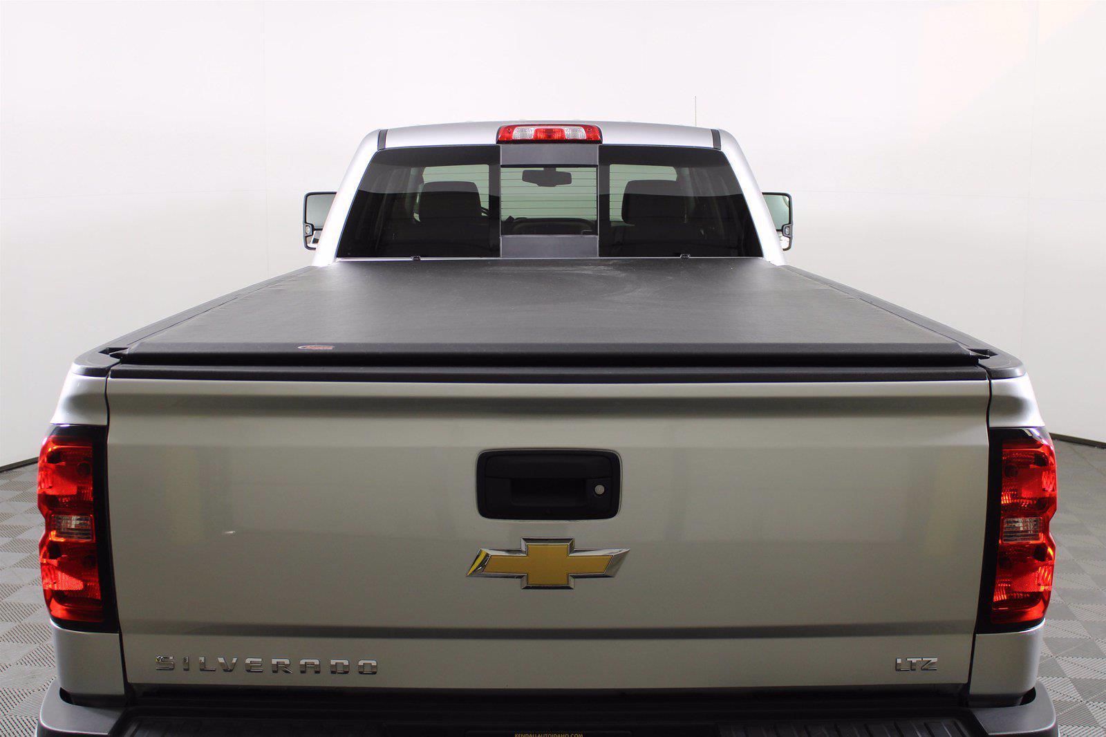 2017 Chevrolet Silverado 3500 Crew Cab 4x4, Pickup #D111017A - photo 2