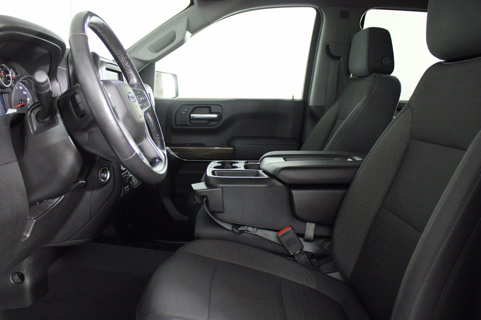 2019 Chevrolet Silverado 1500 Crew Cab 4x4, Pickup #D111038A - photo 3