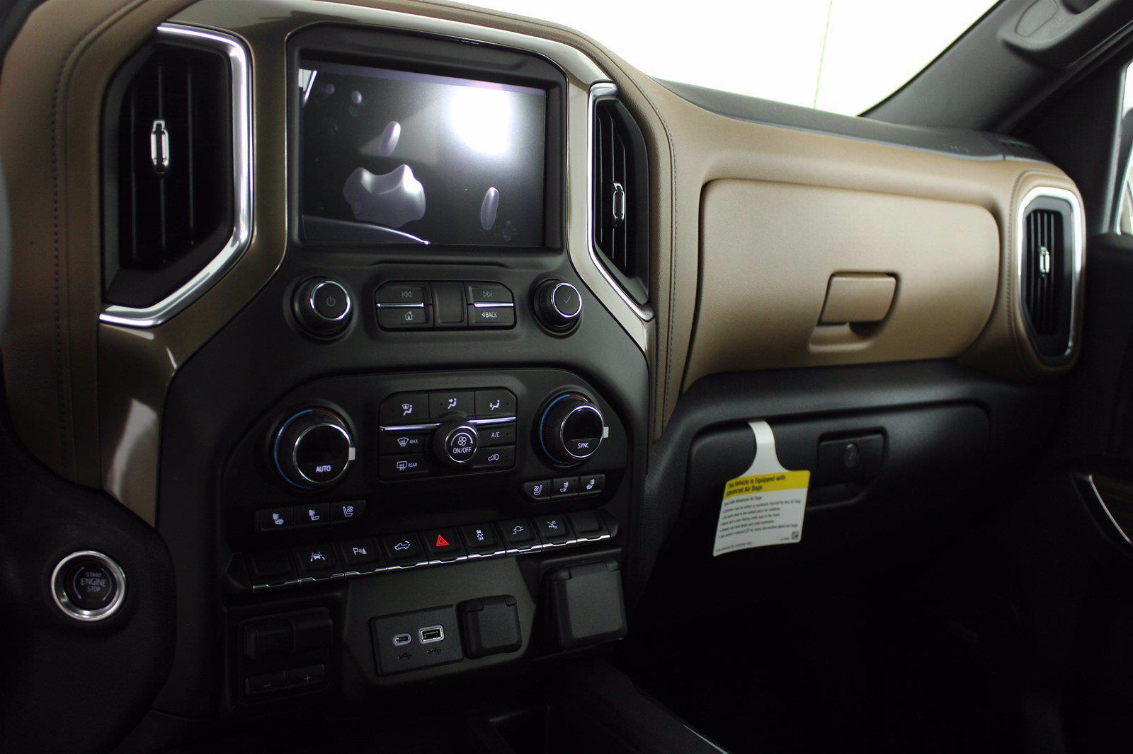 2021 Chevrolet Silverado 1500 Crew Cab 4x4, Pickup #D111069 - photo 12