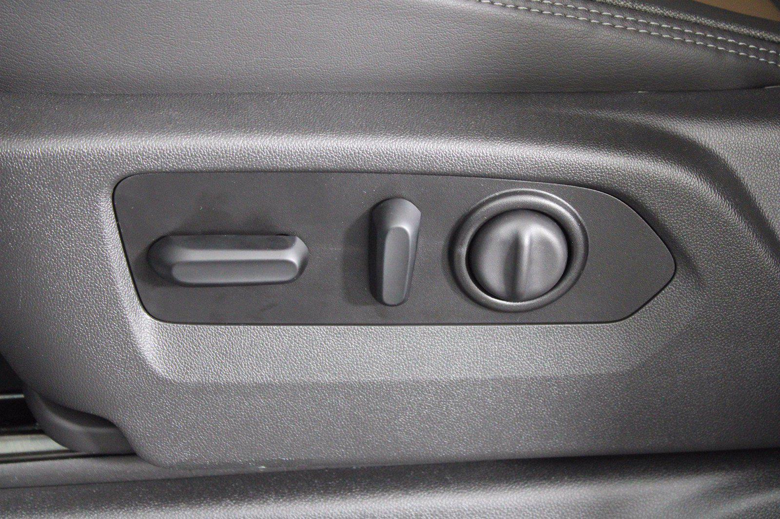 2021 Chevrolet Silverado 1500 Crew Cab 4x4, Pickup #D111069 - photo 14