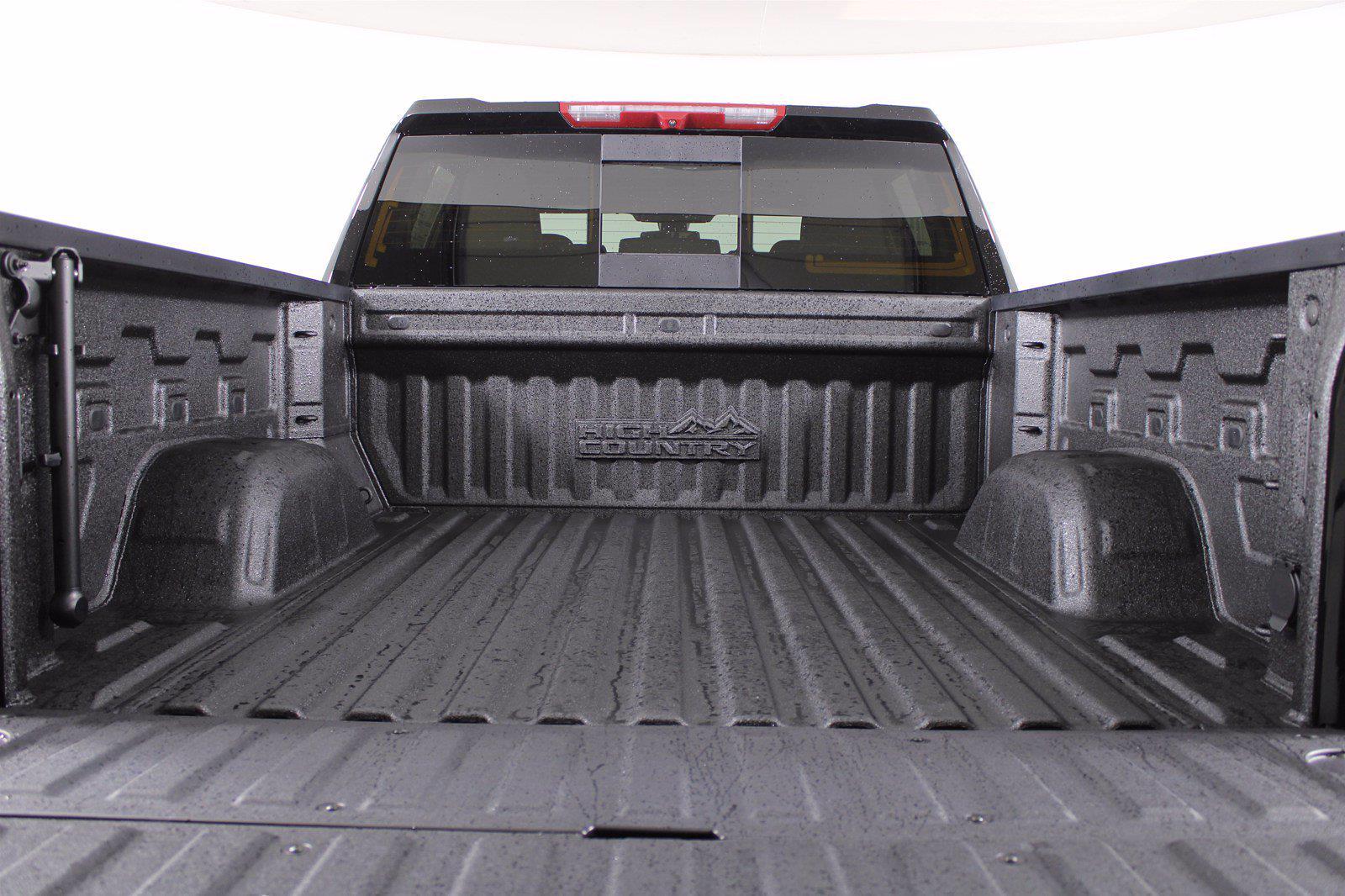 2021 Chevrolet Silverado 1500 Crew Cab 4x4, Pickup #D111072 - photo 9
