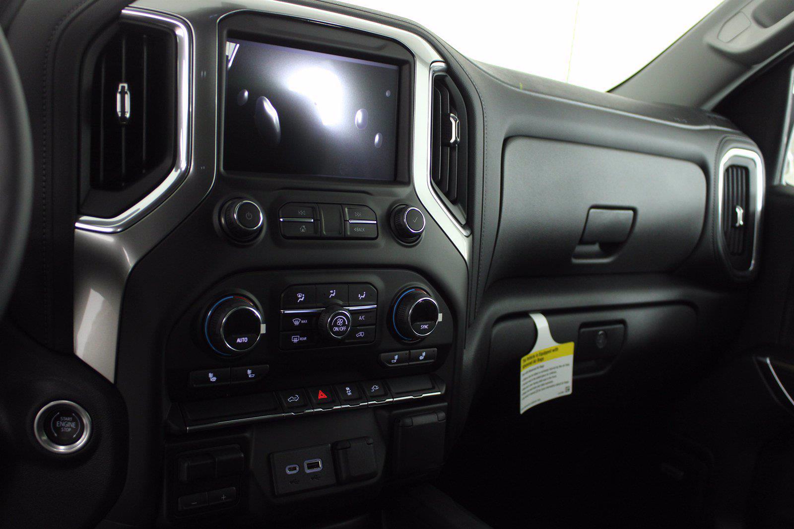 2021 Chevrolet Silverado 1500 Crew Cab 4x4, Pickup #D111073 - photo 12