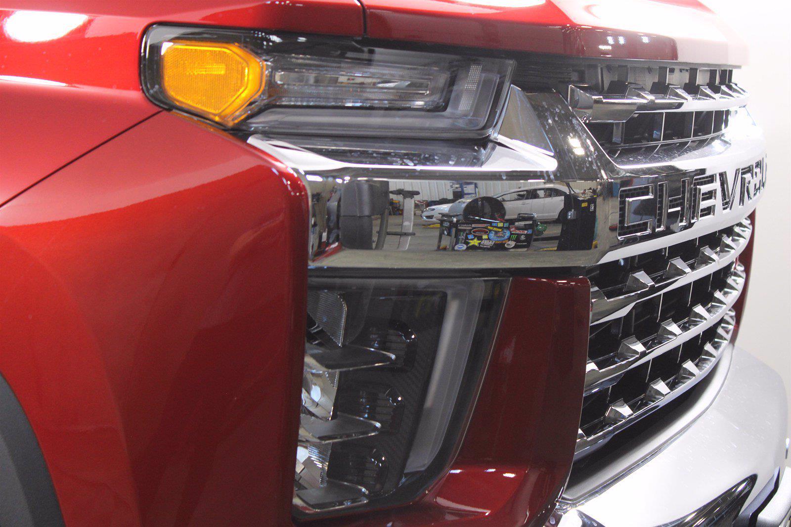 2021 Chevrolet Silverado 3500 Crew Cab 4x4, Pickup #D111089 - photo 5