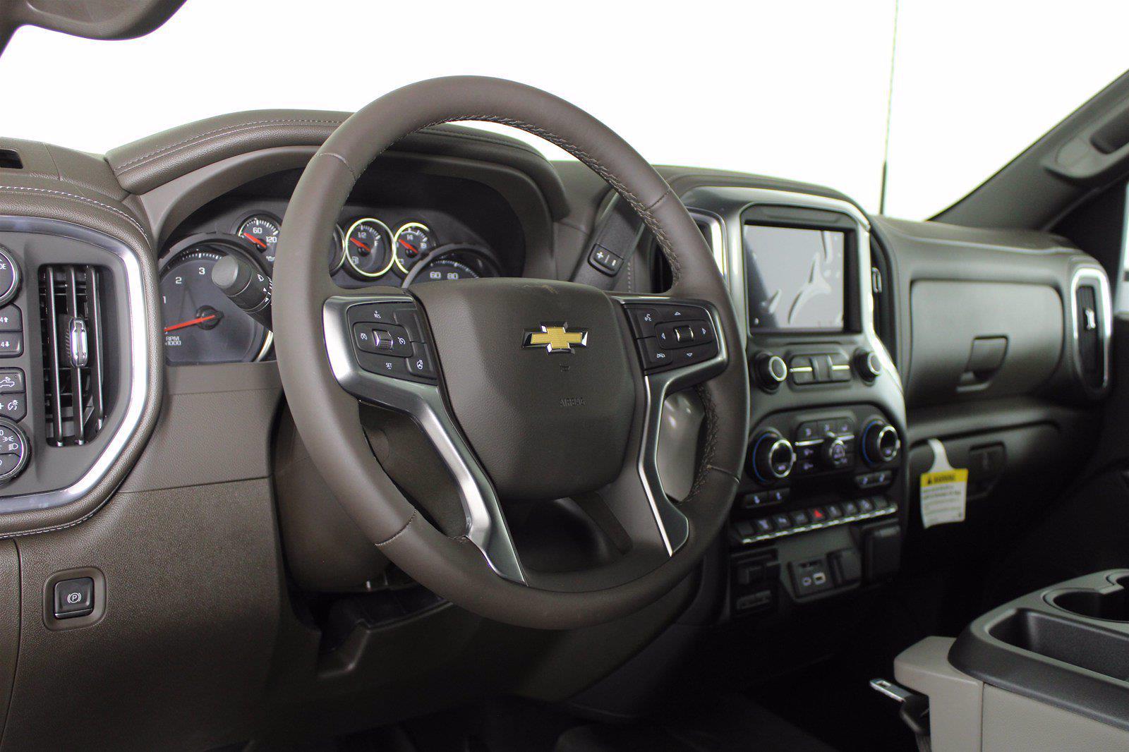 2021 Chevrolet Silverado 2500 Crew Cab 4x4, Pickup #D111097 - photo 9