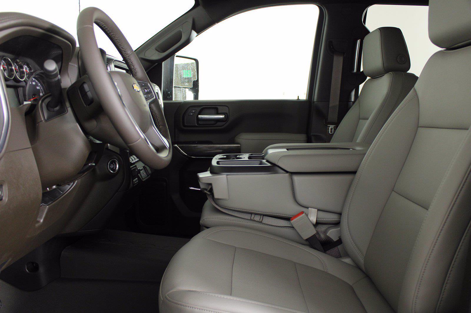 2021 Chevrolet Silverado 2500 Crew Cab 4x4, Pickup #D111097 - photo 14