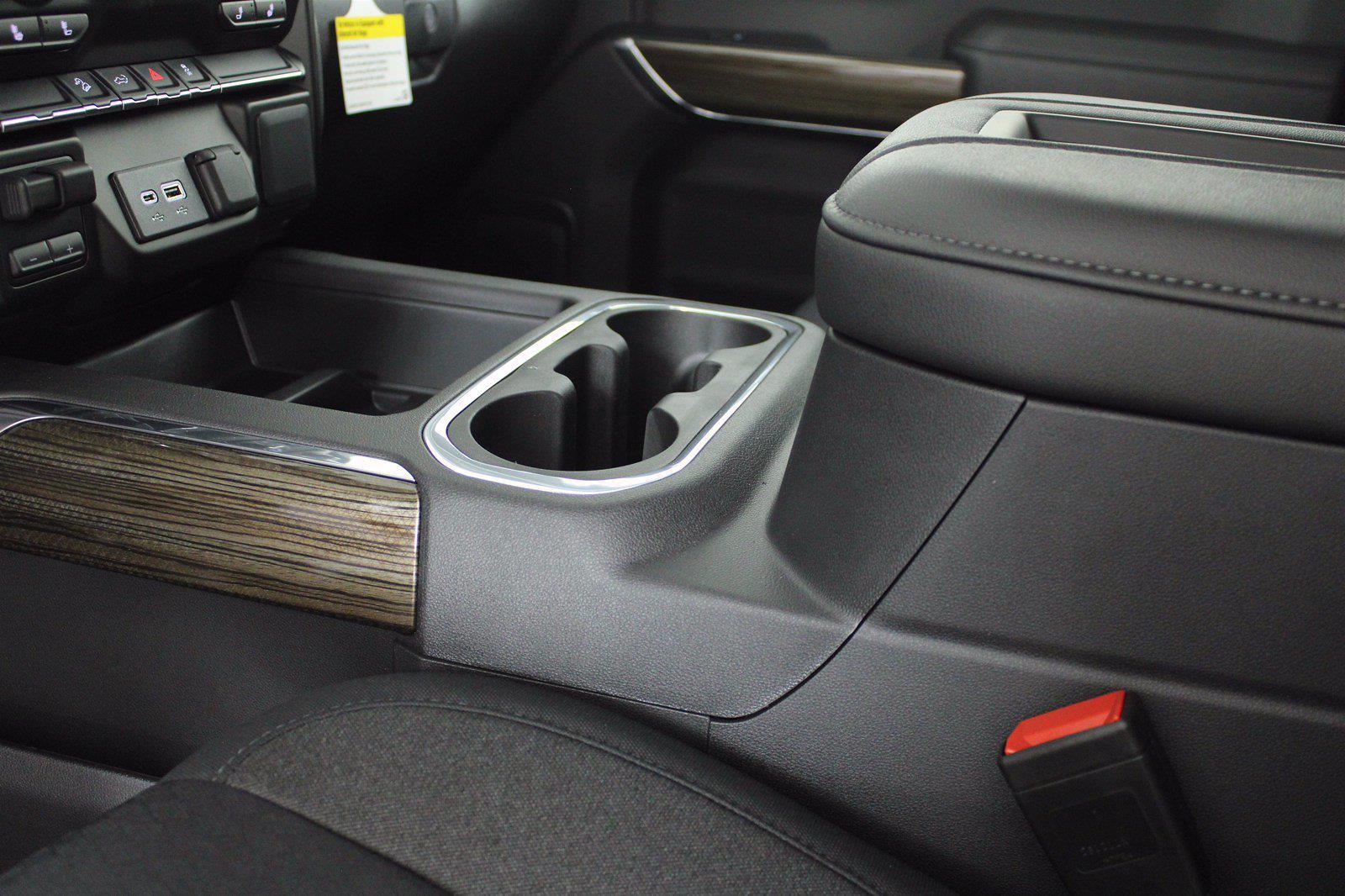 2021 Chevrolet Silverado 1500 Crew Cab 4x4, Pickup #D111114 - photo 12