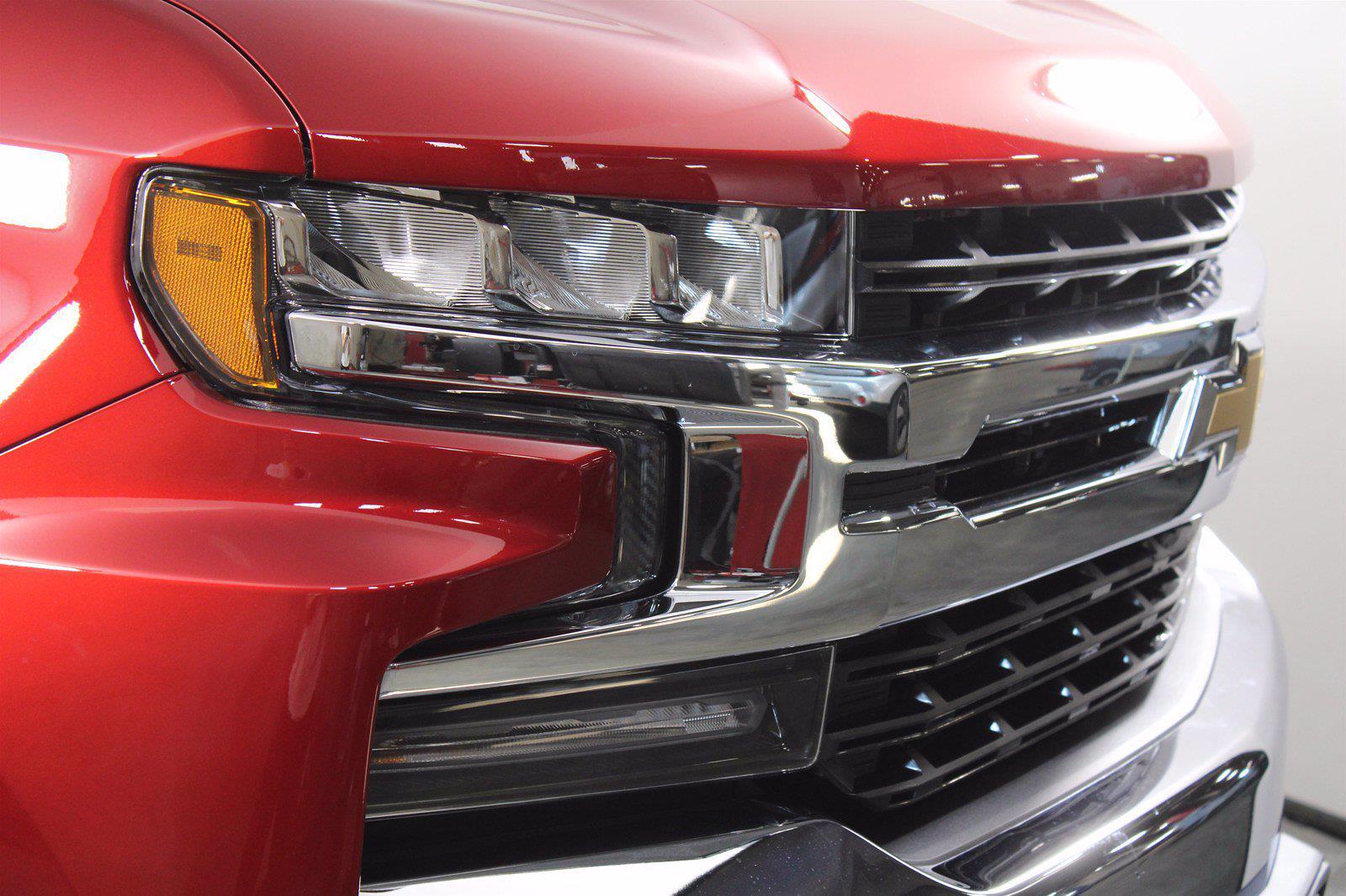 2021 Chevrolet Silverado 1500 Crew Cab 4x4, Pickup #D111130 - photo 5