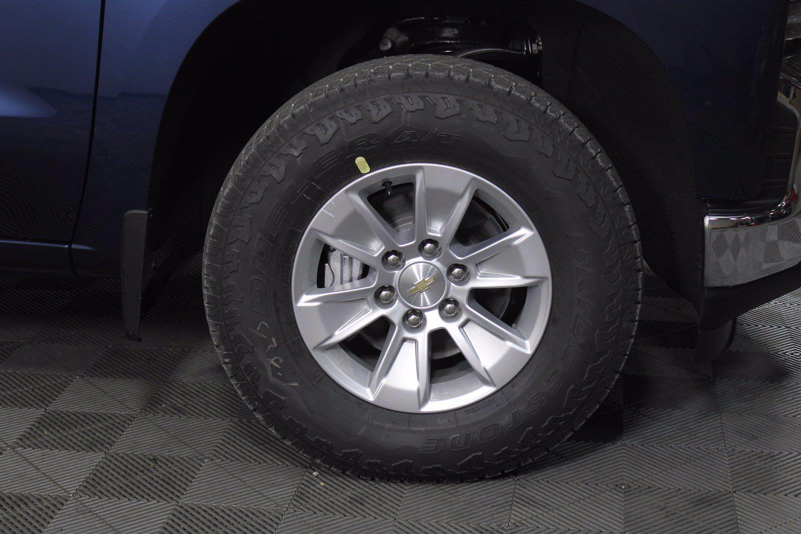 2021 Chevrolet Silverado 1500 Crew Cab 4x4, Pickup #D111135 - photo 6