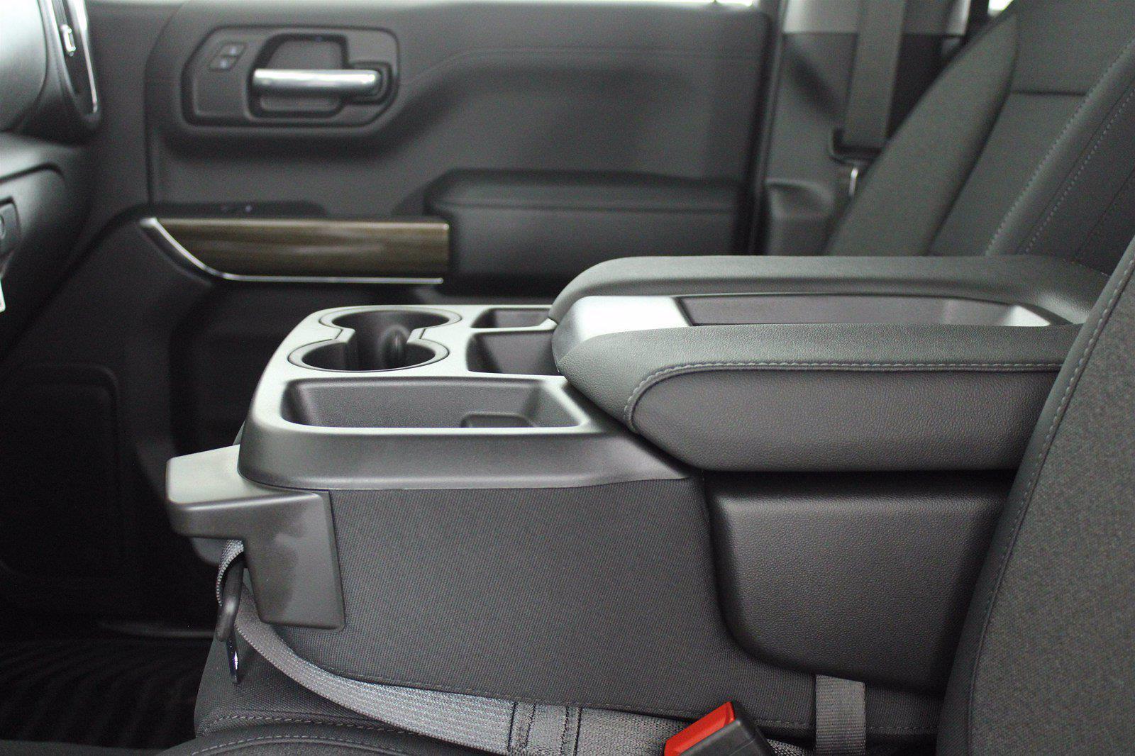 2021 Chevrolet Silverado 1500 Crew Cab 4x4, Pickup #D111135 - photo 13